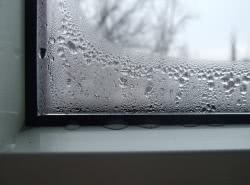 Почему потеют окна в квартире